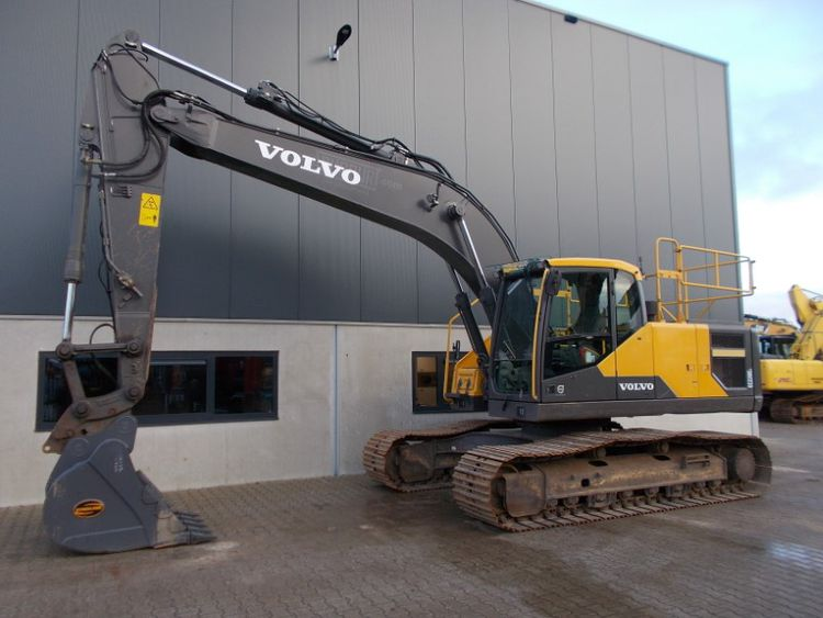 Volvo EC220EL Tracked Excavators