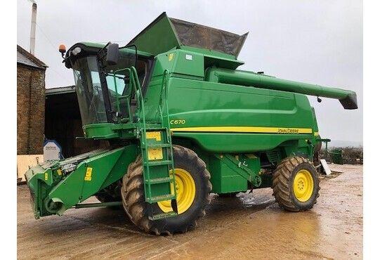 John Deere C670 Combine harvesters
