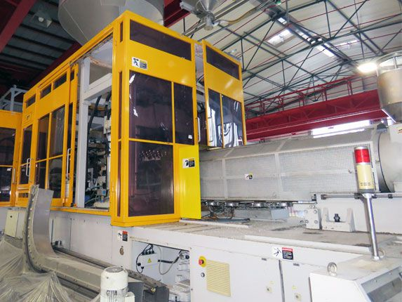 Nissei ASB injection-stretch-blow moulding machine
