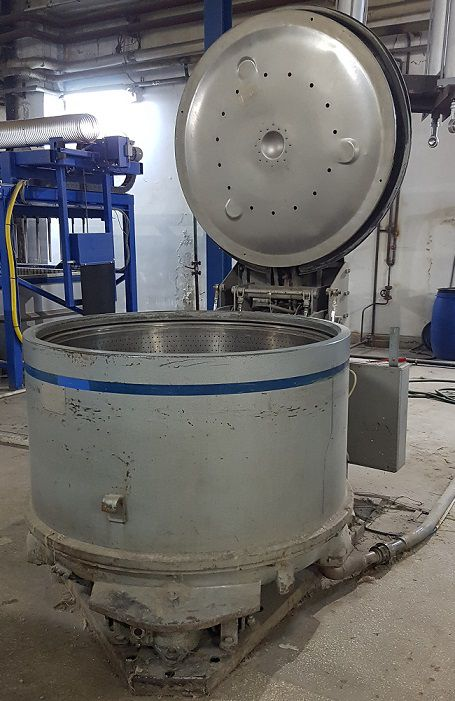 Centrifugal hydroextractor