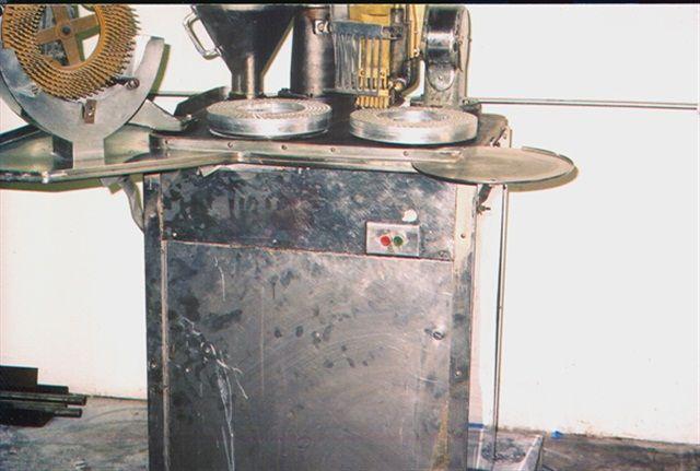 Capsugel 8 Capsule Filler