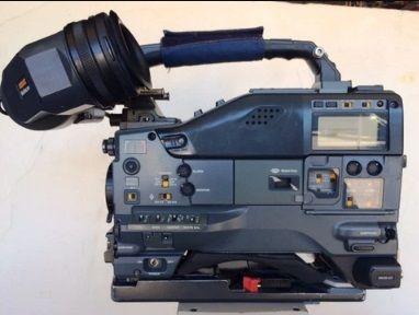 Sony HDW-750 - W/ HDVF-20A