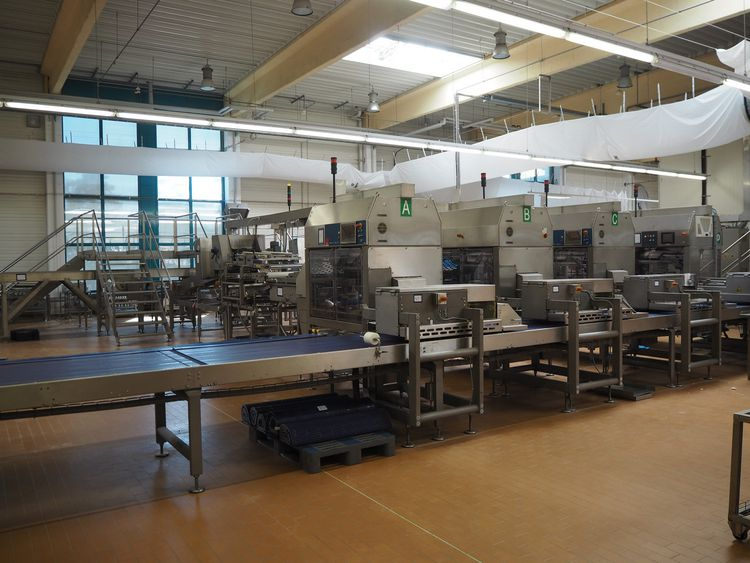 Online auction bakery machinery and inventory due to closing production location Froneri Schöller Produktions GmbH in Uelzen (DE)