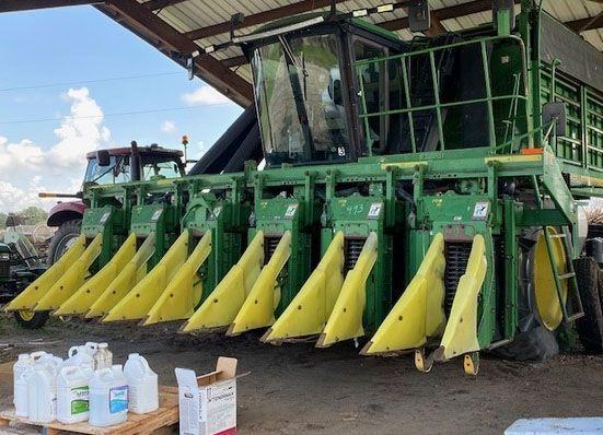 John Deere 9976 Cotton Pickers