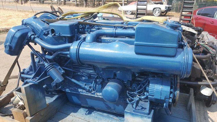 Volvo Penta KADE 41 B220HP--Rebuilt Marine Engines