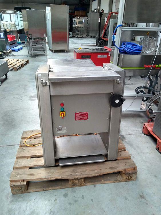 Cretel J 46 R Skinning machine