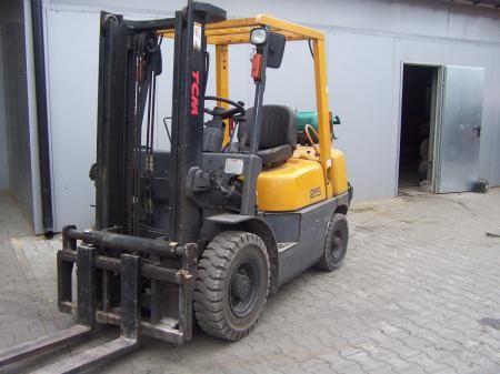 TCM FG25NT8 2500 kg