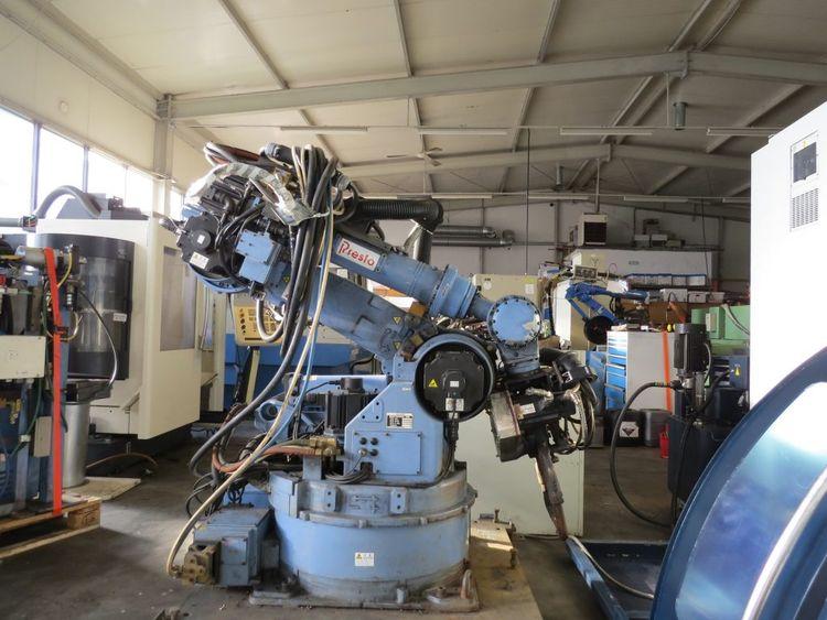 Nachi ST 166-03 Spot Welding Robot 6 Axis 166 kg