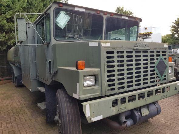 Oshkosh A/S32 R-11 Refueler truck