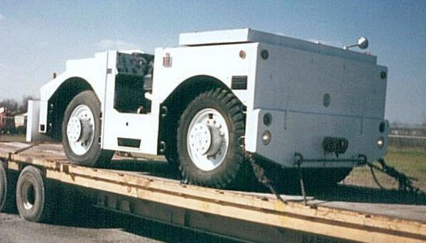 Hough T300, Pushback Tractor