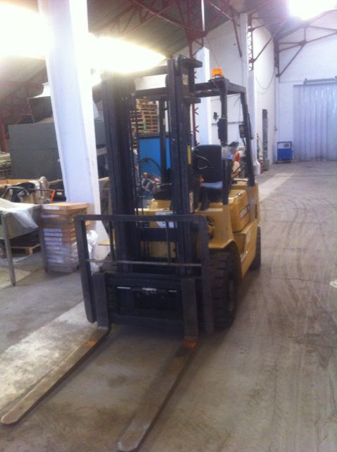 Caterpillar 2 Tons