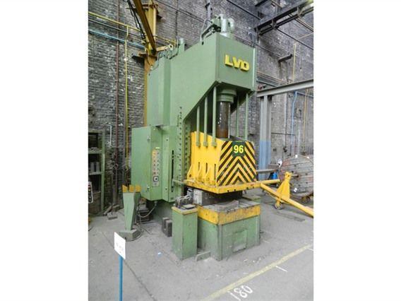 LVD EMC 200 Ton