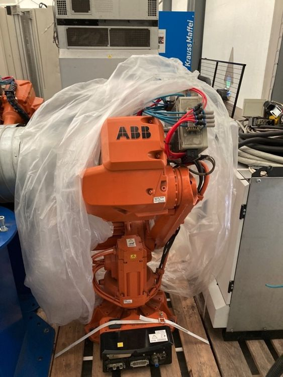 4 ABB IRB 2600 M2004 - variant 2600-12/1.85
