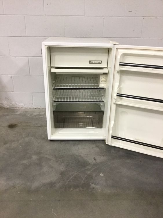 VWR R406GABA Undercounter Refrigerator and Freezer