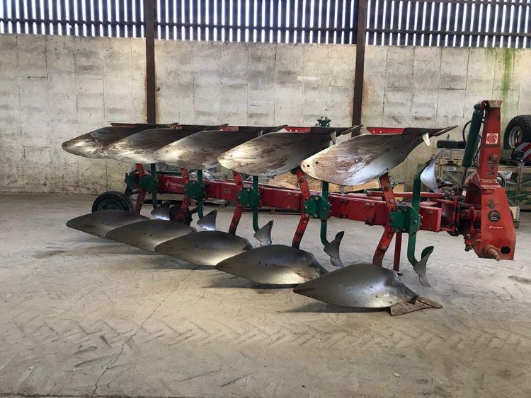 Kverneland LD 85 – 5 Furrow Plough