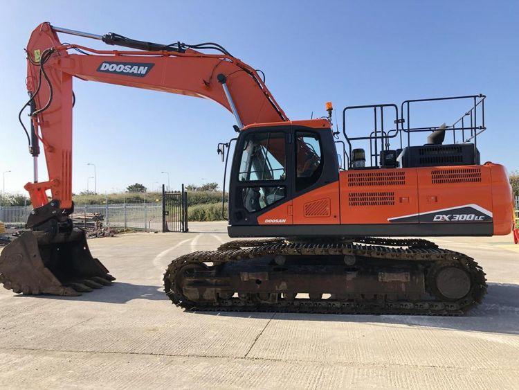 Doosan DX300LC-5 Excavator