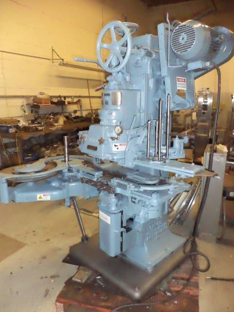 Canco 08 VACUUM CAN CLOSING MACHINE