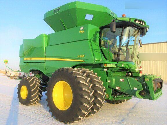 John Deere S780 Combine harvesters
