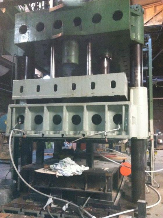 Lake Erie 4 POST DOWN ACTING HYDRAULIC PRESS 800 Ton