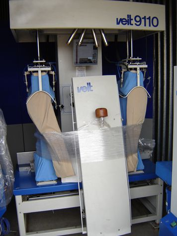 Veit 9110 BRISAY VEIT Model 9110, Automated Shoulder and Sleeve Tensioning & Finishing System, double station. Capacity of 600 garments per 8-hour shift with one (1) operator.