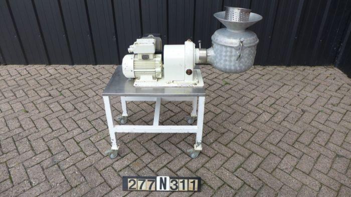 Alexanderwerk SKM - Sieve granulator