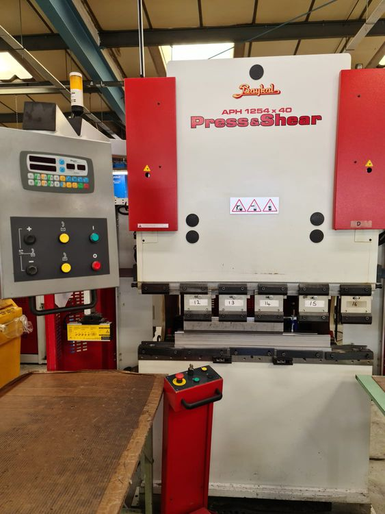 Baykal APH 125440 Hydraulic Downstroke Pressbrake 40 Ton