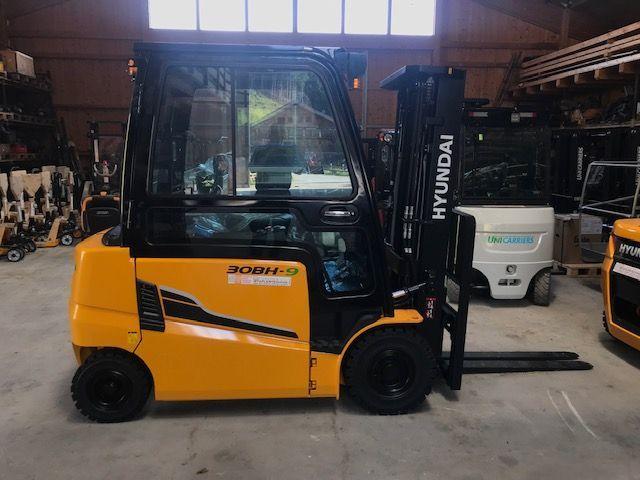 Hyundai 30BH-9 3000 kg