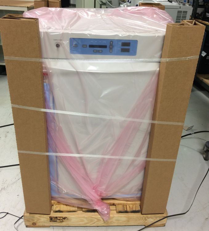 Thermo Scientific Forma 310  A/J T/C CO2 LAB INCUBATOR