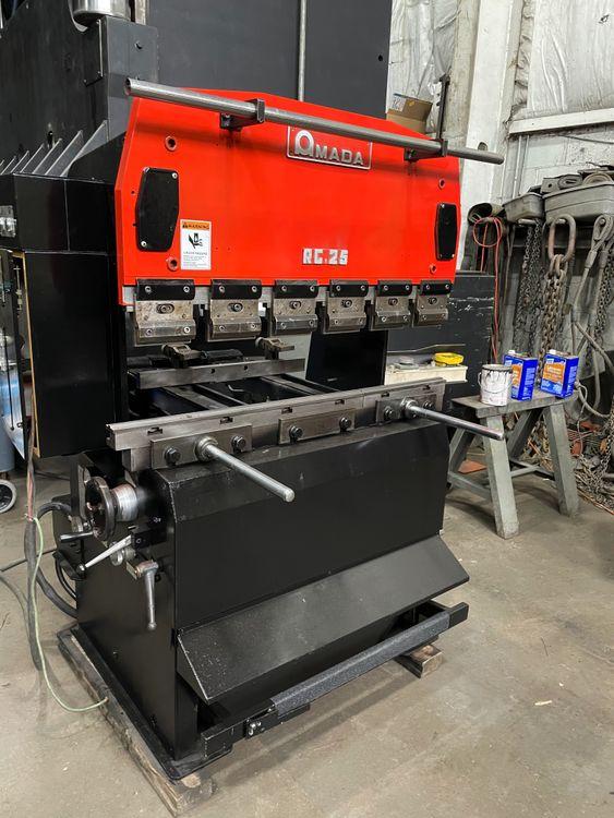 Amada RG 25 Hydraulic Press Brake 27.5 Ton
