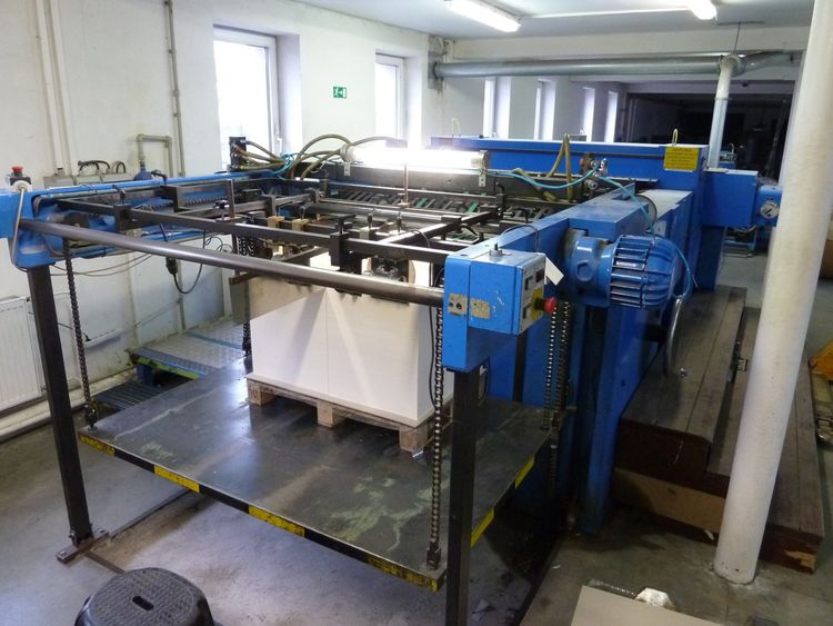Mabeg 1300 mm NQS 130 sheeter visible in operation