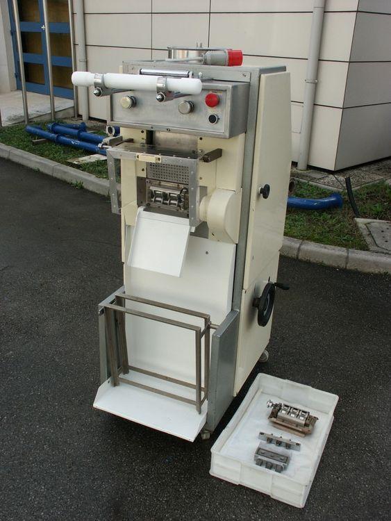 Toresani Ravioli machine