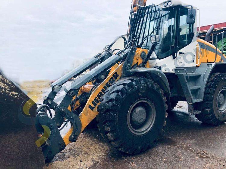 Liebherr L538 Tracked Excavator