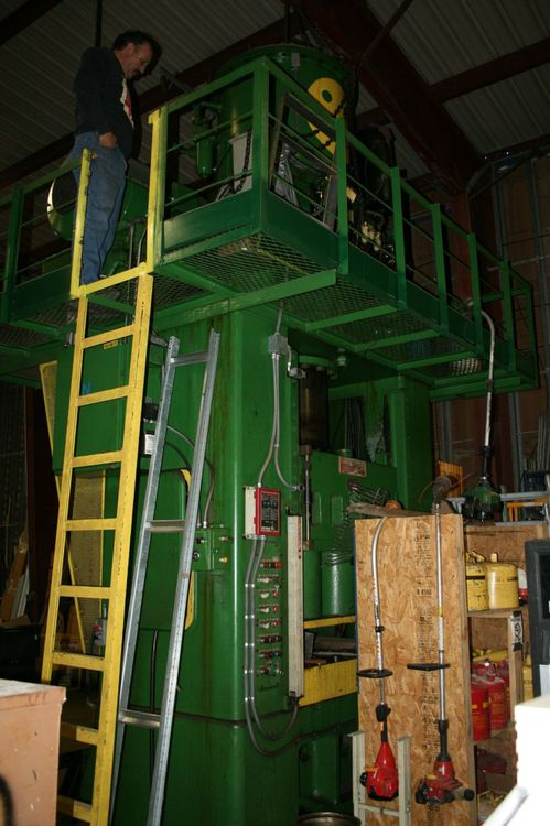 Southwark Hydraulic Press Machine Max. 500 Ton Hydraulic Press Machine