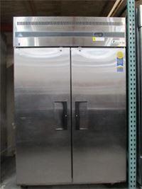 Everest Solid Door Upright Reach-In Refrigerator