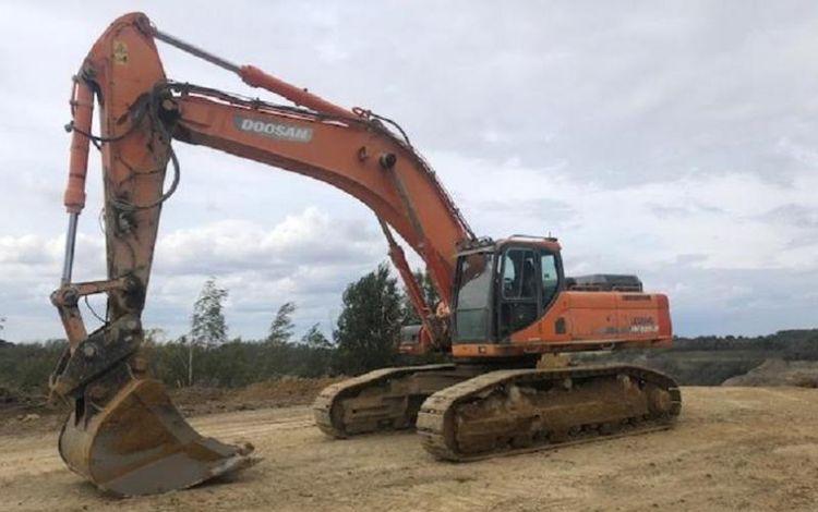Doosan DX 520 LC Excavator