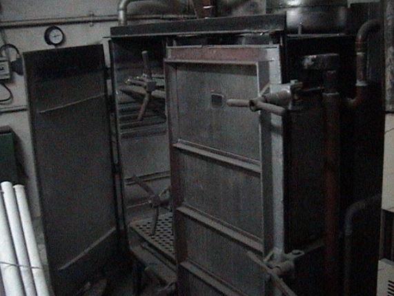 Mezzera Atmospheric machine for dyeing yarn in skeins