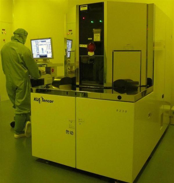 KLA-Tencor 8250 CD-SEM