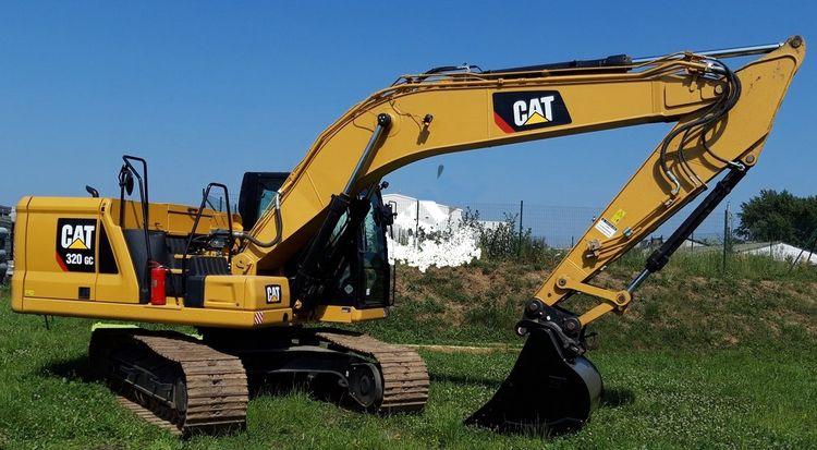Caterpillar 320 Excavator