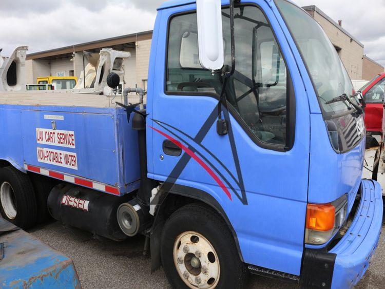 Isuzu NPR 450-1990, Lavatory Truck