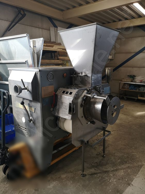 Baader 699 High capacity bone separator