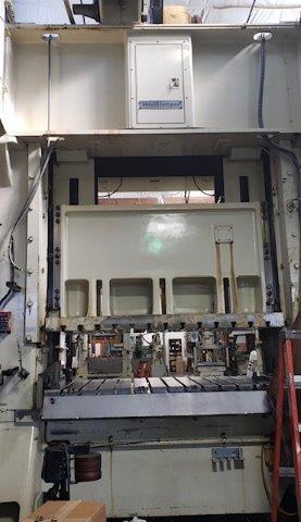Minster E2-300-84-48 1994 300 Ton