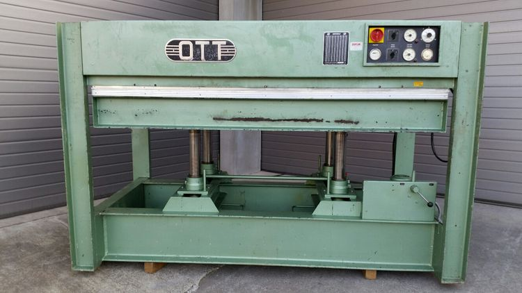 OTT 300 K100, Hydraulic veneer press