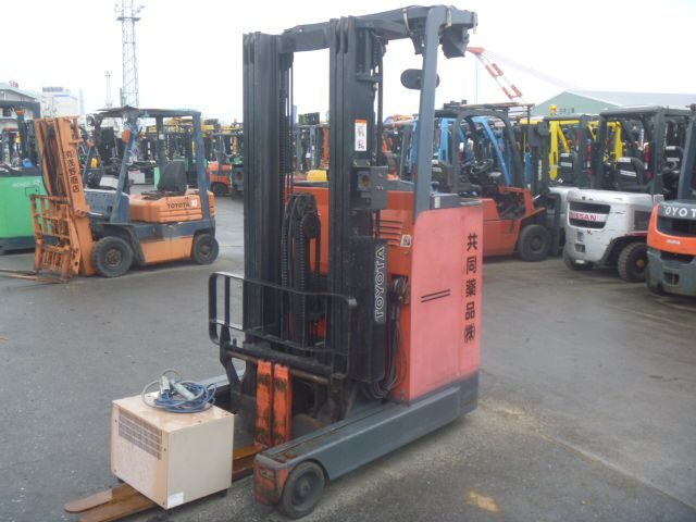 Toyota 2FBRB15 Electric Reach Truck