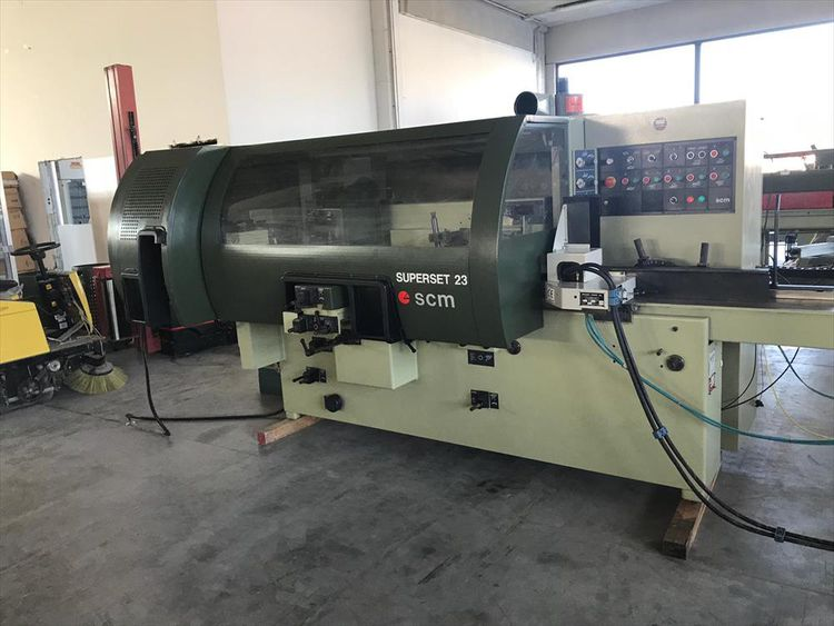 SCM Superset 23, Moulder