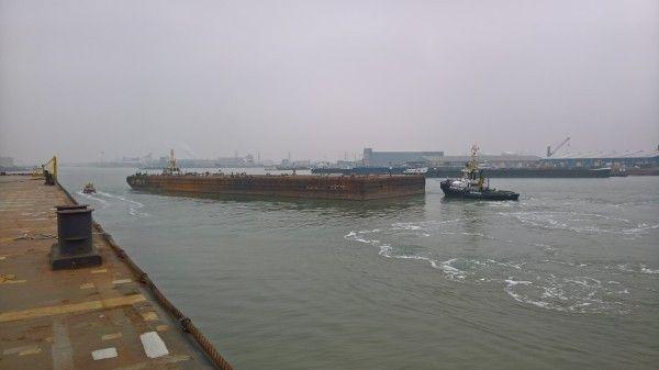 400ft Ballastable Deck Barge