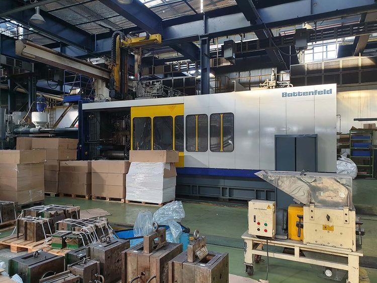 Battenfeld Injection Molding Machine 2000 T