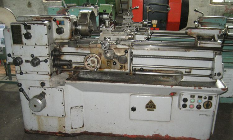 Famot Engine Lathe 2500 r./min TUM - 25