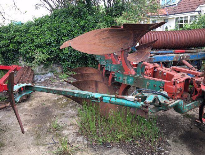 Kverneland EG85 Plough