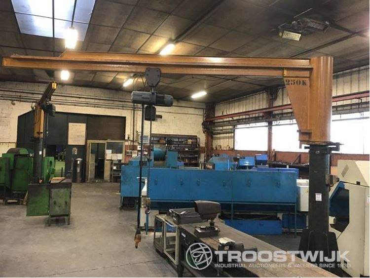 Online auction of Metalworking machinery and Factory equipment