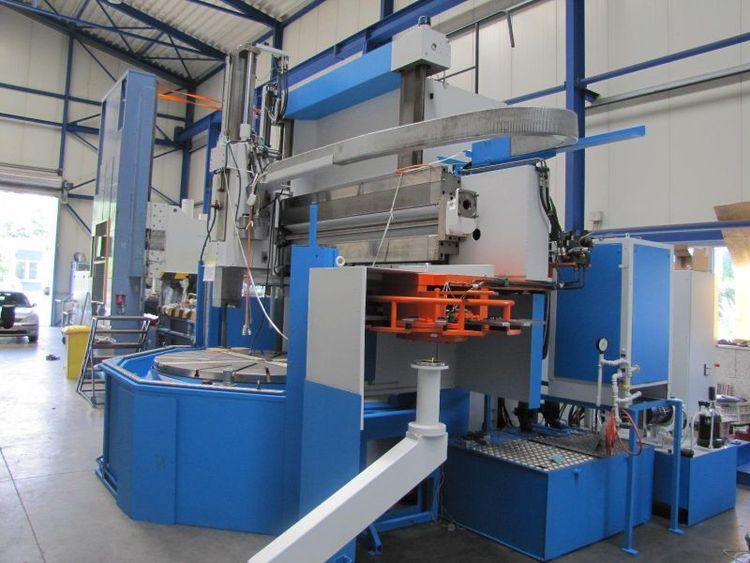 Doerries Scharmann CNC control Siemens Sinumerik 840 Di SL Max. 180 U/min Contumat VCE 2400/200 2 Axis CNC Vertical Turning Lathe